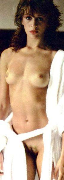 4 Fotos Claudia Raia como Maria Claudia pelada