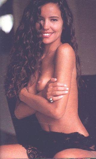 Capa da playboy de fevereiro  de 1991 com a Karmita Medeiros