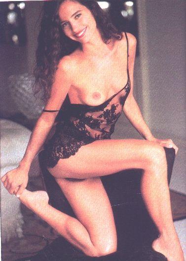 Fotos Karmita Medeiros nua, Fotos da Karmita Medeiros na playboy, todas as fotos pelada, playboy de fevereiro de 1991