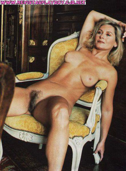Capa da playboy de janeiro  de 2000 com a Vera Fischer