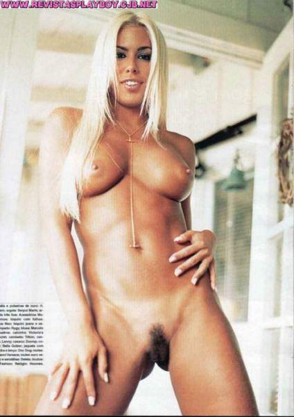 Capa da playboy de agosto  de 2000 com a Feiticeira Joana Prado