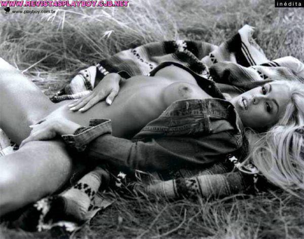 Fotos Feiticeira Joana Prado nua, Fotos da Feiticeira Joana Prado na playboy, todas as fotos pelada, playboy de agosto de 2000