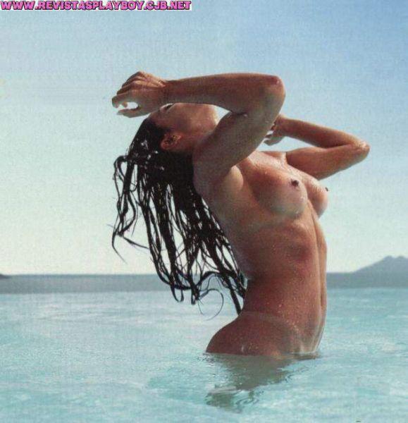 Capa da playboy de novembro  de 2000 com a Scheila Carvalho