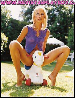 12 playboy de fevereiro de 2001