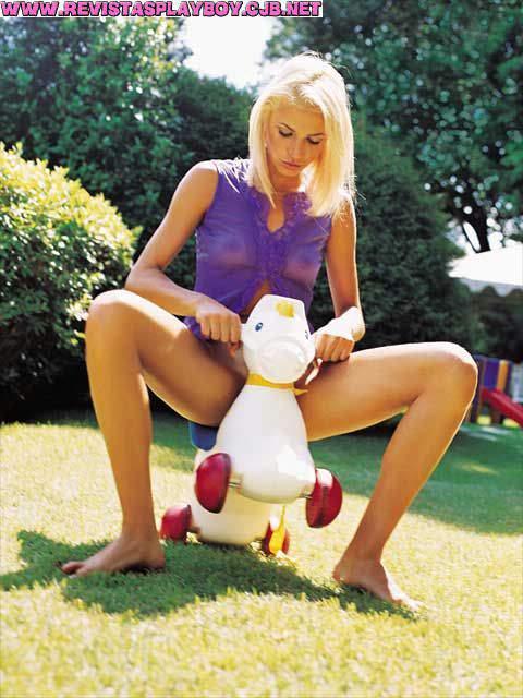 13 Fotos da playboy edição 307