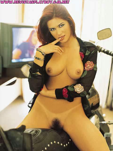 Capa da playboy de setembro  de 2001 com a Livia Andrade