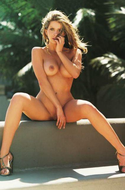 9 Fotos da playboy edição 379