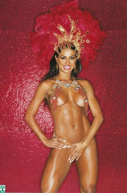 Capa da playboy de fevereiro  de 2007 com a Gracyanne Barbosa