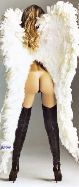 Capa da playboy de abril  de 2008 com a Cibele Dorsa