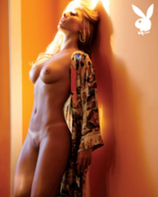 8 Fotos da playboy edição 412