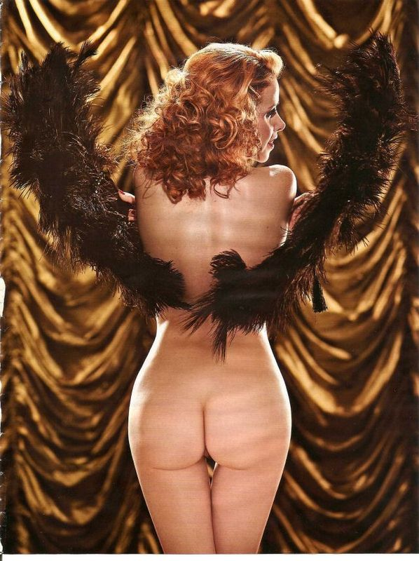 6 Fotos Leona Cavalli pelada