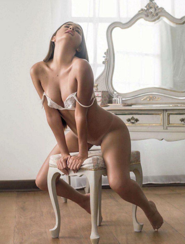 12 Fotos Catarina a virgem pelada