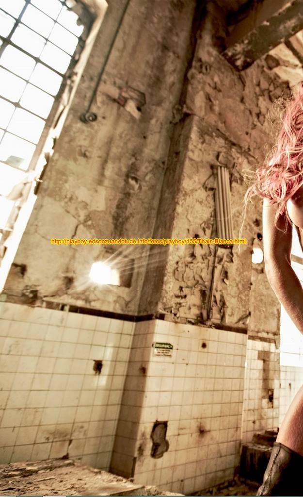 8 Fotos Thais Bianca nua