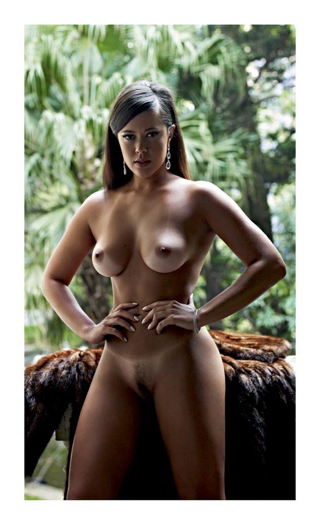 12 Fotos Meyrielle Abrantes pelada