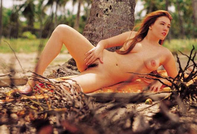 Capa da sexy de junho  de 2000 com a Simony