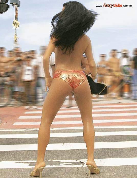 Capa da sexy de dezembro  de 2000 com a Solange Gomes