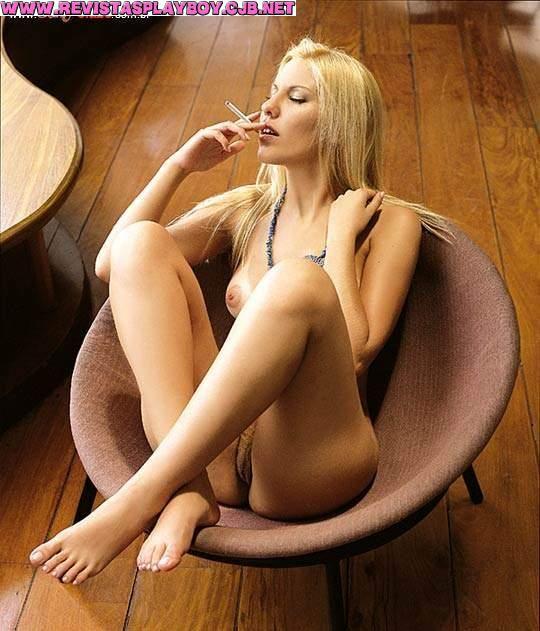 Capa da sexy de março  de 2002 com a Monica Nocette