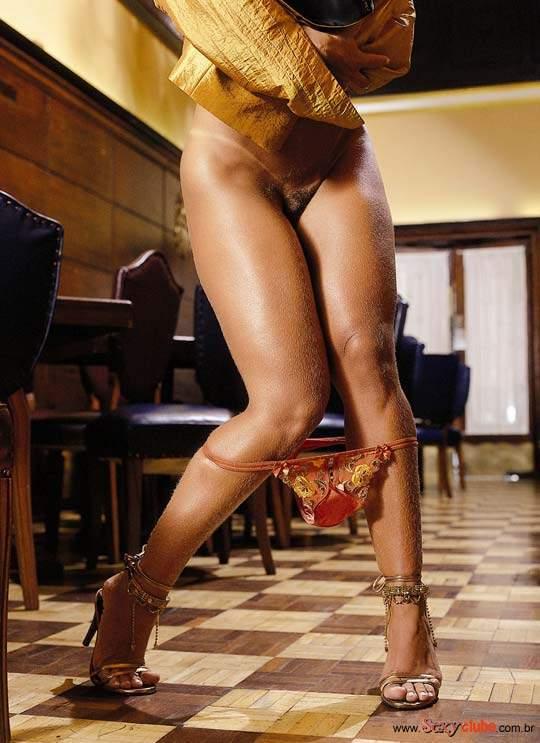Fotos Viviane Araujo nua, Fotos da Viviane Araujo na sexy, todas as fotos pelada, sexy de julho de 2002