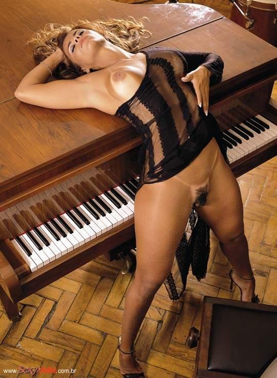 22 Fotos Viviane Araujo pelada
