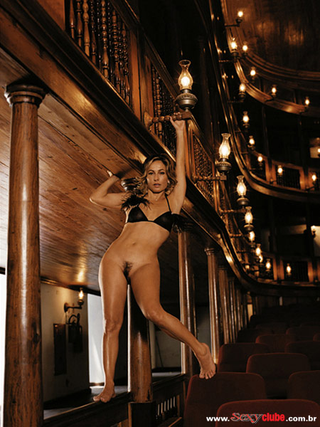 Capa da sexy de novembro  de 2005 com a Cissa Guimaraes
